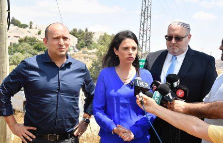 איילת שקד שוקלת לחזור לבית היהודי ולהתמודד מול הרב פרץ על ההנהגה