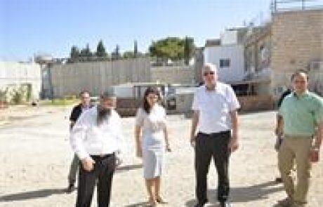 """שר החקלאות ושרת המשפטים ביקרו בישיבה בקבר רחל: """"נמצא למתחם קבר רחל פתרון משפטי"""""""